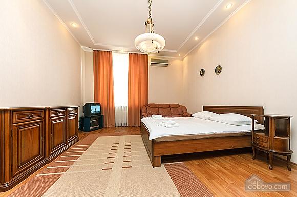 Квартира на Бессарабській площі, 3-кімнатна (60504), 005
