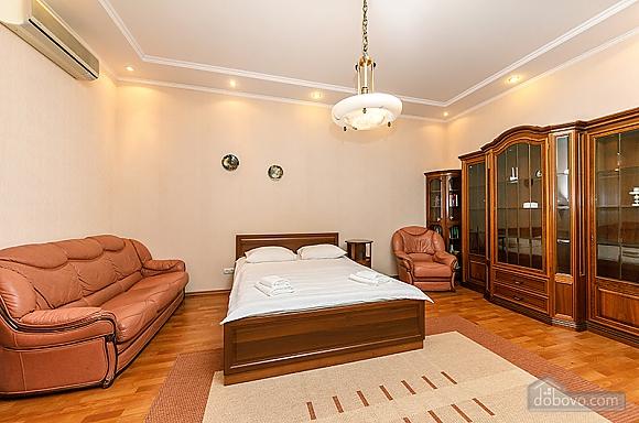 Квартира на Бессарабській площі, 3-кімнатна (60504), 006
