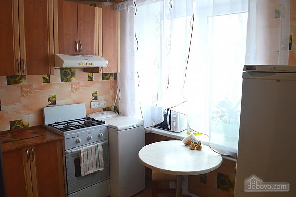 Уютная квартира, 1-комнатная (36762), 002