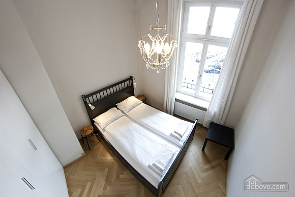Apartment with high ceilings, Un chambre (80100), 001