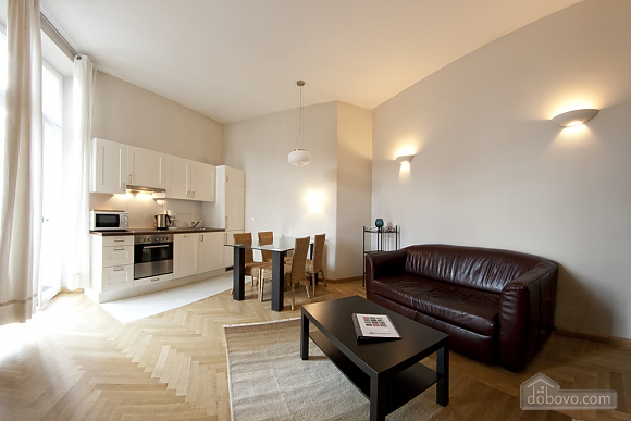 Apartment with high ceilings, Un chambre (80100), 002