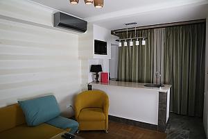 Studio apartment in the centre of Yerevan, Una Camera, 001