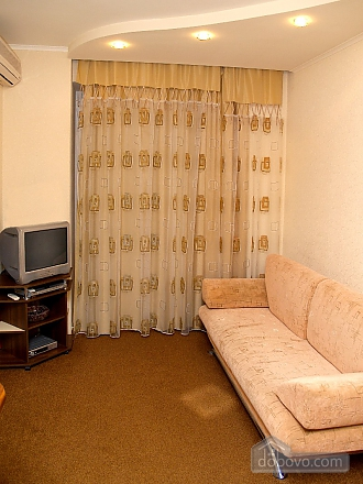 In the very heart of the city, One Bedroom (92834), 006