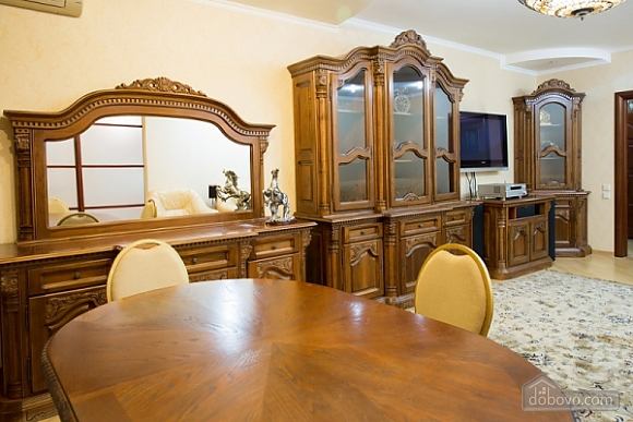 Spacious apartment in Livoberezhna in the new house, Two Bedroom (89750), 005