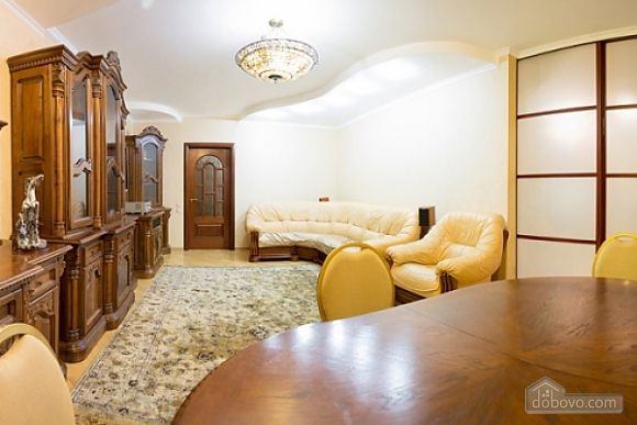 Spacious apartment in Livoberezhna in the new house, Two Bedroom (89750), 002