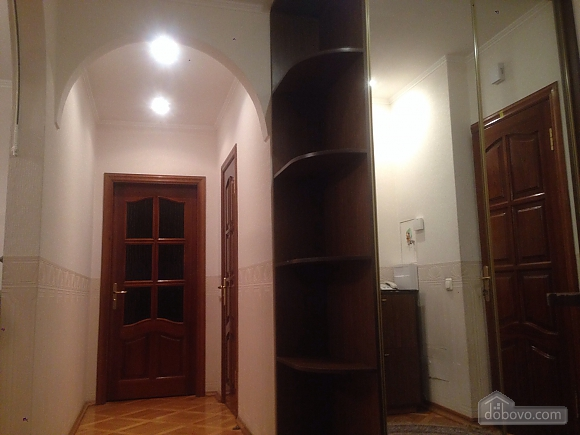 Comfortable apartment in a prestigious house near to Mynska station, Un chambre (47113), 042