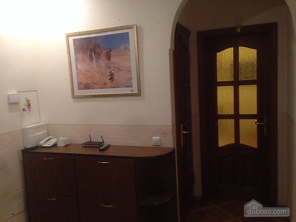 Comfortable apartment in a prestigious house near to Mynska station, Un chambre (47113), 043