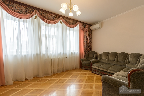 Comfortable apartment in a prestigious house near to Mynska station, Un chambre (47113), 010