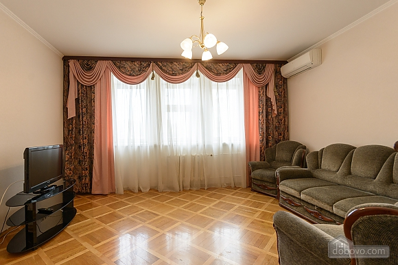 Comfortable apartment in a prestigious house near to Mynska station, Un chambre (47113), 011