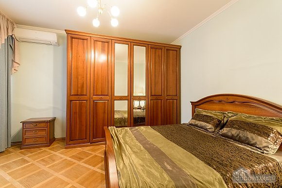 Comfortable apartment in a prestigious house near to Mynska station, Un chambre (47113), 015