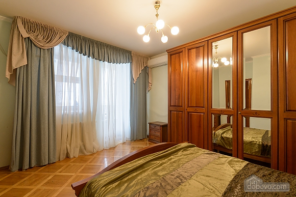 Comfortable apartment in a prestigious house near to Mynska station, Un chambre (47113), 017