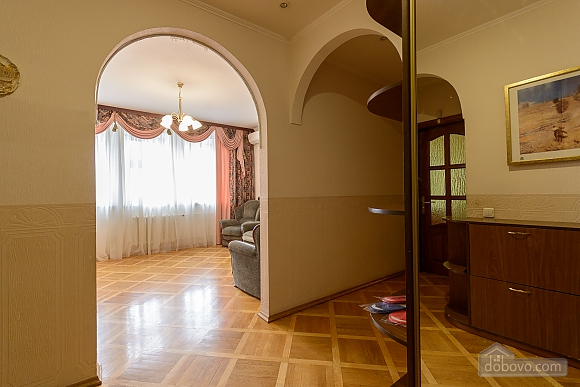 Comfortable apartment in a prestigious house near to Mynska station, Un chambre (47113), 027