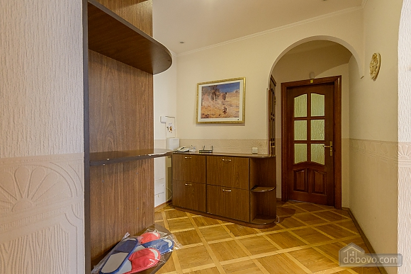 Comfortable apartment in a prestigious house near to Mynska station, Un chambre (47113), 028