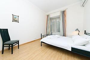 A large apartment in a 5 minutes walk from Nezalezhnosti square, Deux chambres, 002
