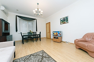 A large apartment in a 5 minutes walk from Nezalezhnosti square, Deux chambres, 003