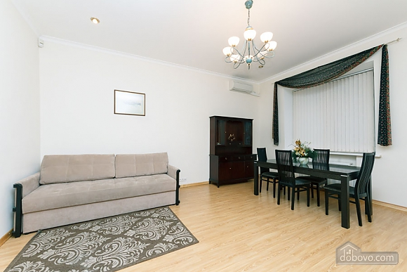 A large apartment in a 5 minutes walk from Nezalezhnosti square, Two Bedroom (41673), 007