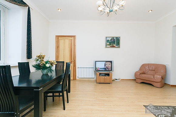 A large apartment in a 5 minutes walk from Nezalezhnosti square, Deux chambres (41673), 009
