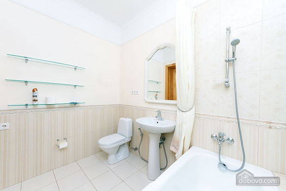 A large apartment in a 5 minutes walk from Nezalezhnosti square, Deux chambres (41673), 022