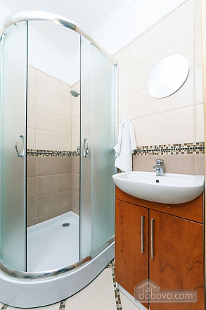 A large apartment in a 5 minutes walk from Nezalezhnosti square, Deux chambres (41673), 024