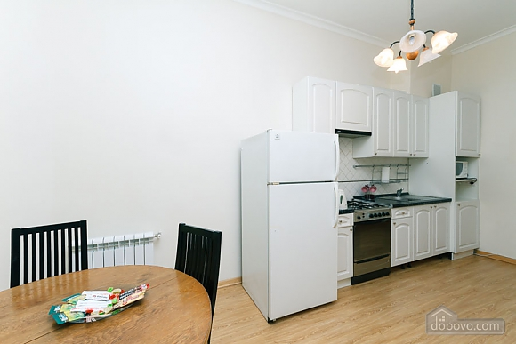 A large apartment in a 5 minutes walk from Nezalezhnosti square, Deux chambres (41673), 040
