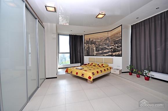 Sky lounge, 3-кімнатна (90930), 008
