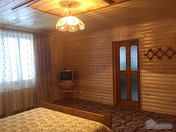Alinka, Trois chambres (78412), 006