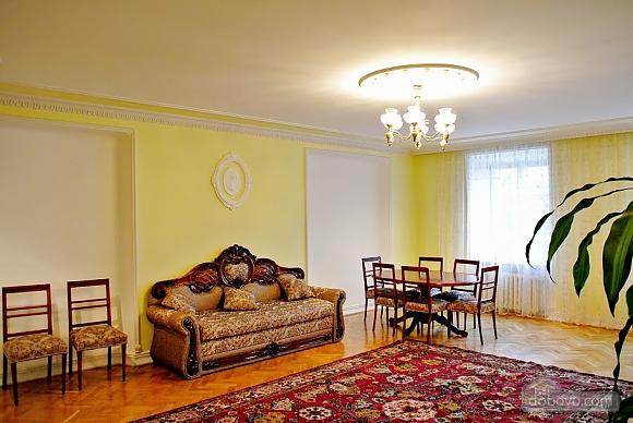 Апартаменты возле Ратуши, 2х-комнатная (24462), 010