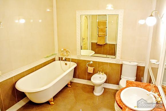 Апартаменты возле Ратуши, 2х-комнатная (24462), 019