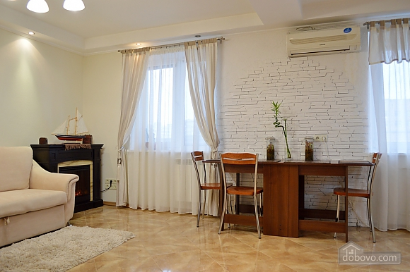Cozy apartment with a fireplace near to Minska station, Deux chambres (72518), 002
