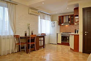 Cozy apartment with a fireplace near to Minska station, Due Camere, 003