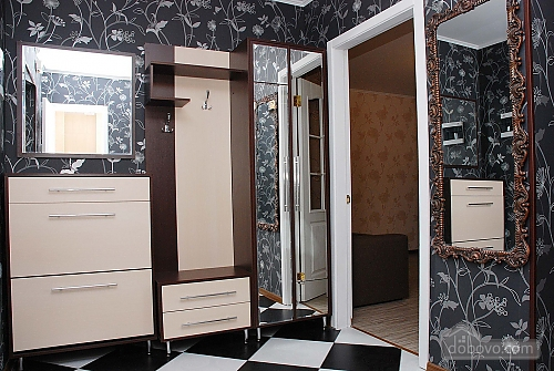 38 Grigorenko, Studio (28518), 005