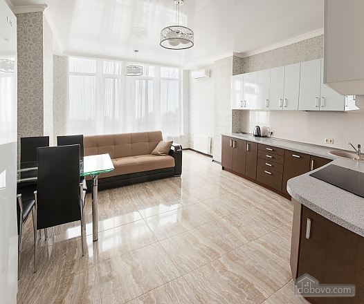 Premium class apartment with panoramic view from the window, Dreizimmerwohnung (80829), 005