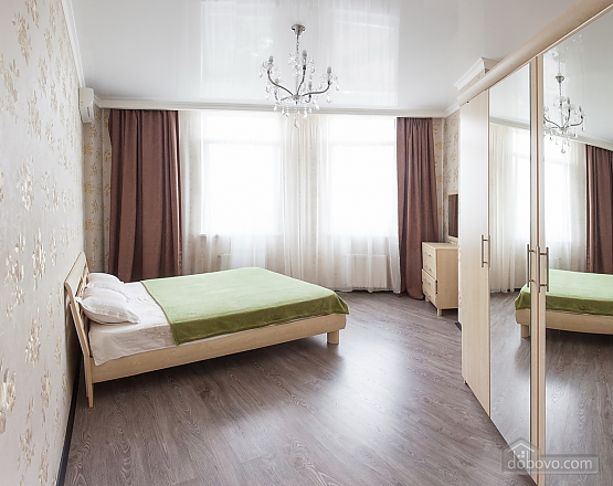 Premium class apartment with panoramic view from the window, Dreizimmerwohnung (80829), 001