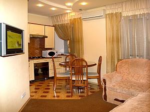 Домашній затишок, 2-кімнатна, 002