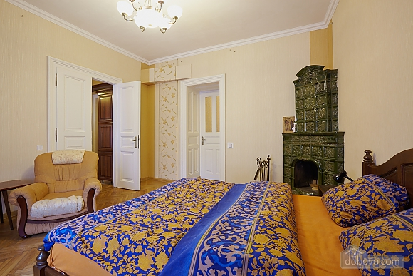 Historical apartment near to swans lake, One Bedroom (70280), 003