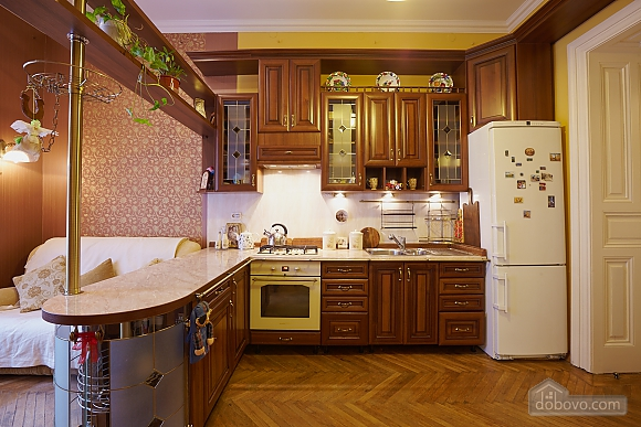 Historical apartment near to swans lake, One Bedroom (70280), 004