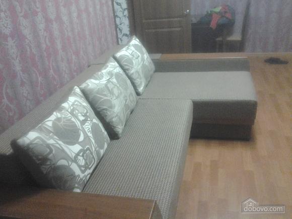Уютная квартира, 2х-комнатная (79919), 001
