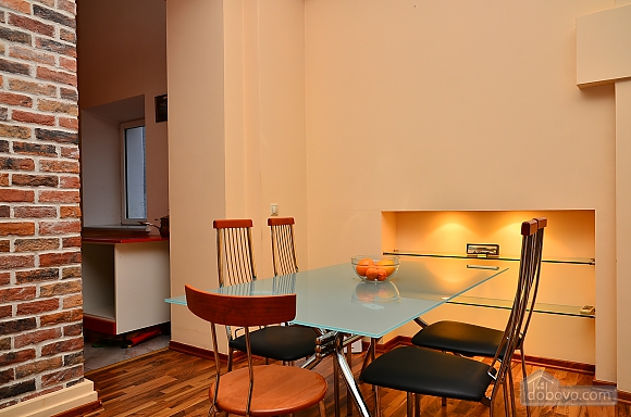 Spacious apartment in the centre near the metro, Tre Camere (14681), 004