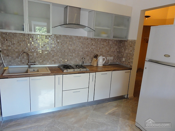 Spacious apartment in the centre near the metro, Tre Camere (14681), 007