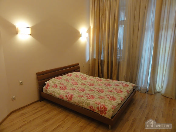 Spacious apartment in the centre near the metro, Tre Camere (14681), 011