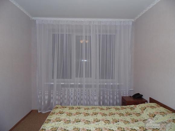 Квартира в центре, 2х-комнатная (79292), 001