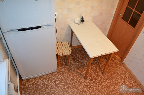Квартира в центре города, 2х-комнатная (49096), 005