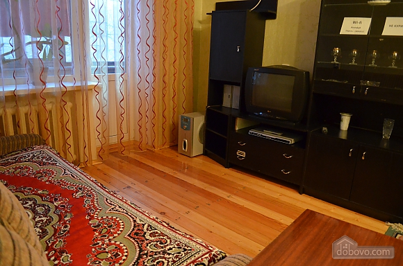 Квартира в центре города, 2х-комнатная (49096), 001