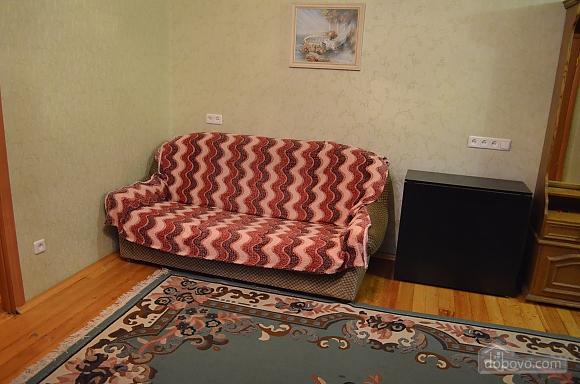Квартира в центре города, 2х-комнатная (49096), 007