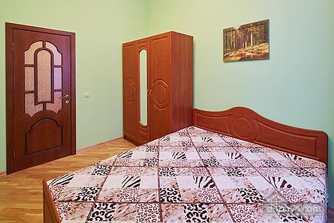 Апартаменты возле площади Рынок, 3х-комнатная (23467), 004
