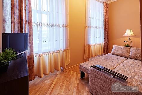 Апартаменты возле площади Рынок, 3х-комнатная (23467), 005