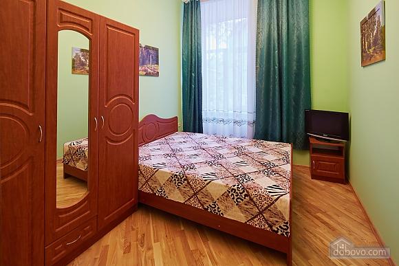 Апартаменты возле площади Рынок, 3х-комнатная (23467), 006