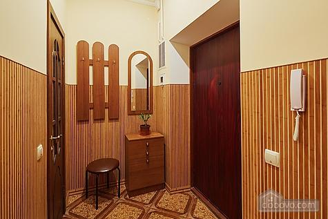 Апартаменты возле площади Рынок, 3х-комнатная (23467), 010