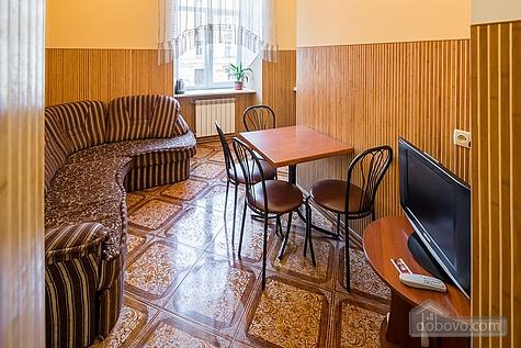 Апартаменты возле площади Рынок, 3х-комнатная (23467), 013