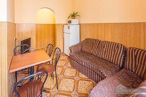 Апартаменты возле площади Рынок, 3х-комнатная (23467), 015